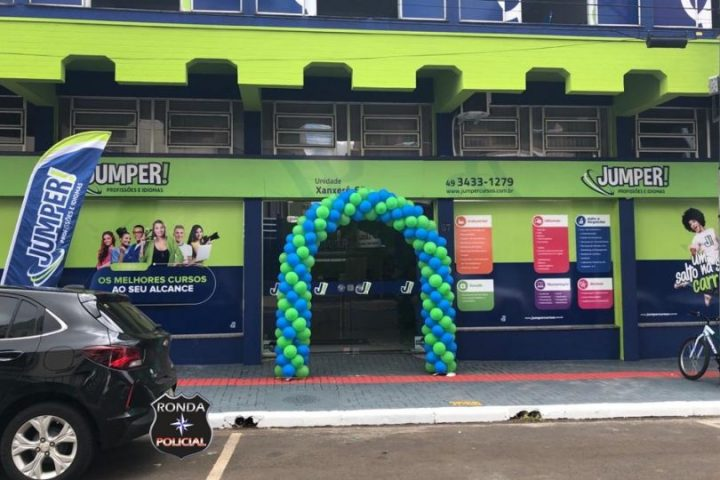Jumper Profissões e Idiomas comemora nova estrutura em Xanxerê