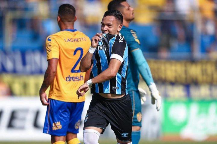 Grêmio vence Pelotas na Boca do Lobo e reassume liderança do grupo 2