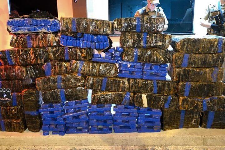 Polícia apreende 400 quilos de maconha