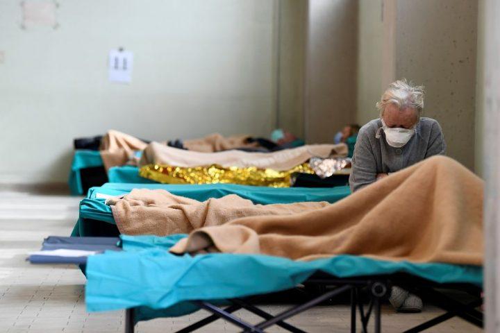 Número de mortes pelo novo coronavírus no mundo supera 475 mil