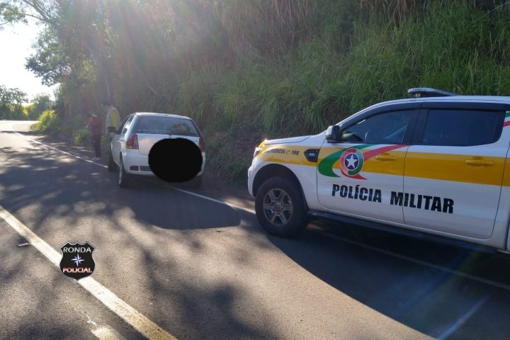 Condutora sai ilesa após sofrer saída de pista