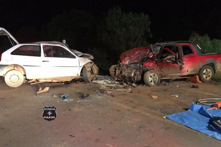 Uma pessoa morre e três ficam feridas em grave acidente na noite do domingo
