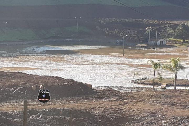 Rompimento de barragem assusta moradores do Oeste