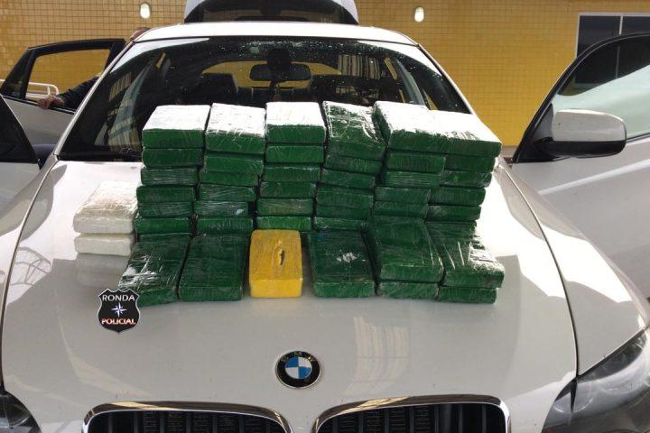 PRF apreende mais de 50 kg de cocaína em BMW no Oeste