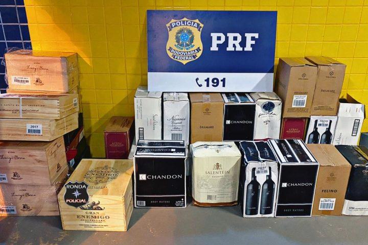 PRF apreende na BR-282 carregamento de vinho argentino importado ilegalmente para o Brasil