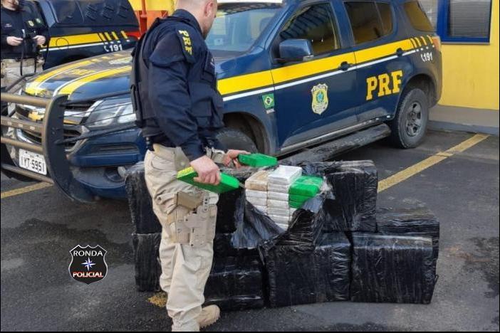 Caminhão é flagrado transportando 311 KG de cocaína