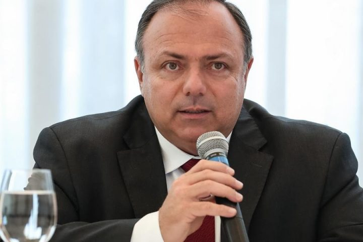 Brasil completa 50 dias sem ministro titular na Saúde
