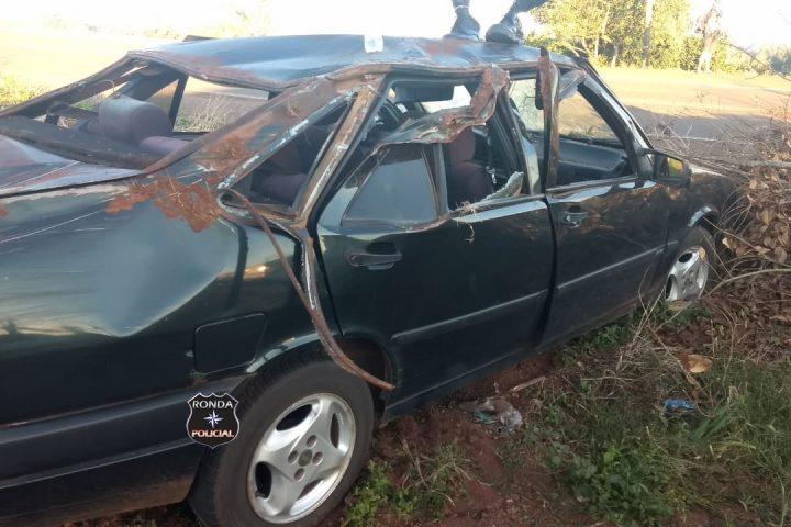 Jovem fica ferido em capotamento de veículo no Oeste