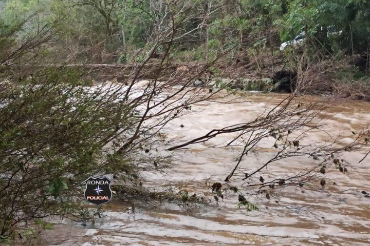 Criança que estava desaparecida é encontrada morta em rio no Oeste