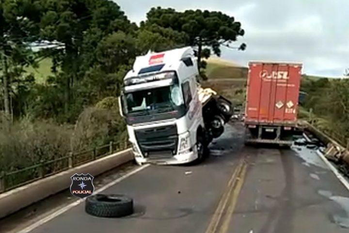 Grave acidente envolvendo duas carretas resulta em morte no Oeste