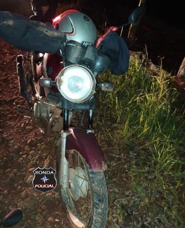 Motociclista fica ferido após atropelar cachorro e sofrer queda na SC-163