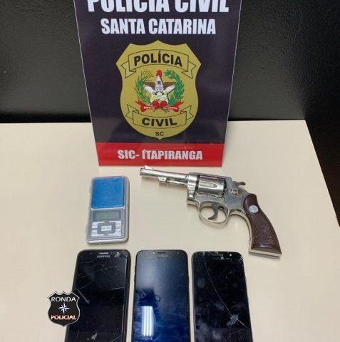 Polícia Civil prende quatro pessoas por tráfico de drogas no Oeste