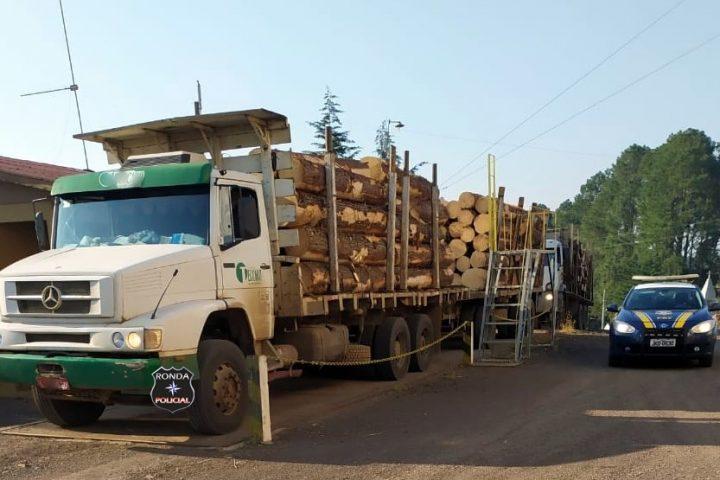 PRF flagra duas carretas com excesso de peso na 282