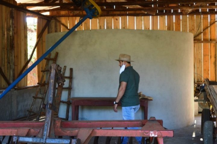 Primeiro silo que utiliza ar natural para secagem de grãos é construído em Passos Maia
