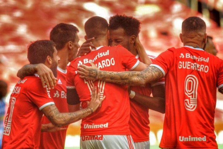 Inter volta ao Beira-Rio, goleia o Esportivo e garante vaga na final do returno