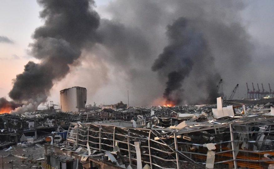 Em vídeo: Poderosas explosões deixam mortos e feridos em Beirute