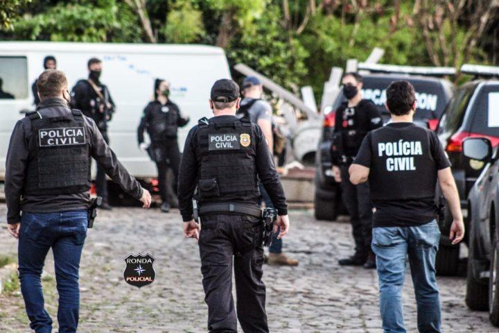 Operação mobiliza dezenas de policiais civis e militares no Oeste