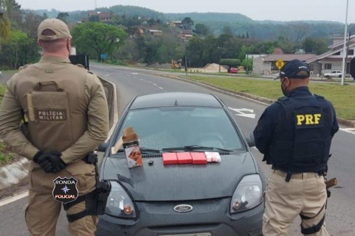 PRF e Polícia Militar apreende quatro quilos de cocaína avaliada em mais de R$ 160 mil na BR-282