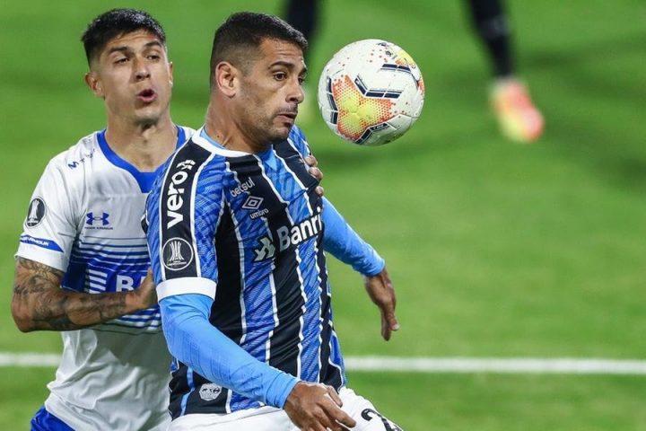 Grêmio é dominado pela Universidad Católica e perde por 2 a 0 na volta da Libertadores