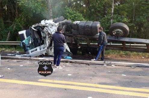 Caminhoneiro do Oeste morre em grave acidente no RS