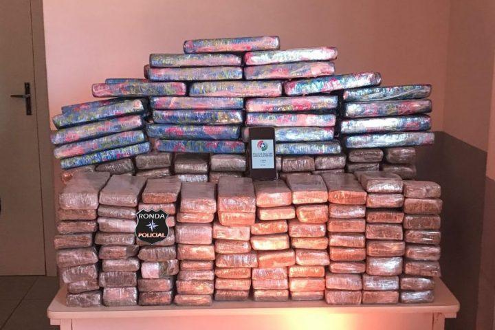 Ação conjunta entre PM, PRF e Saer apreende grande carregamento de drogas no Oeste