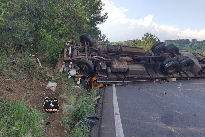 Acidente entre carreta e caminhão é registrado na BR-282
