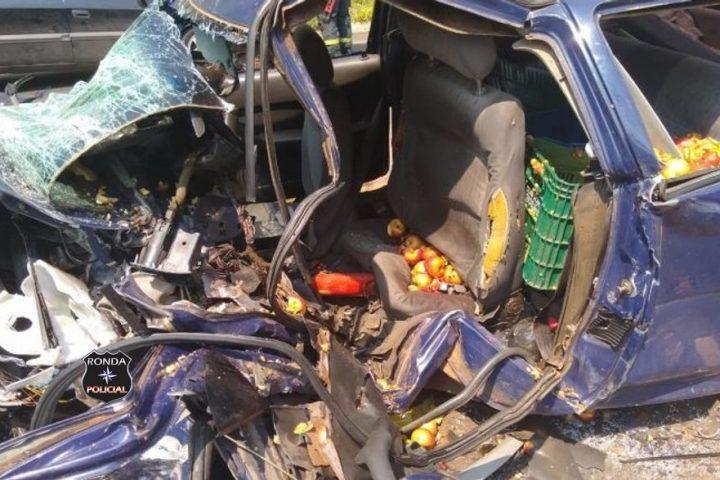 Grave acidente deixa uma pessoa morta e outras quatro feridas