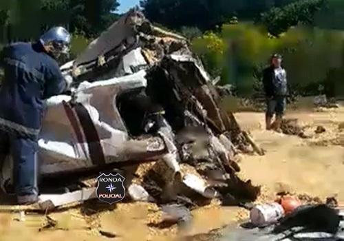 Caminhoneiro morre em grave acidente na BR-153