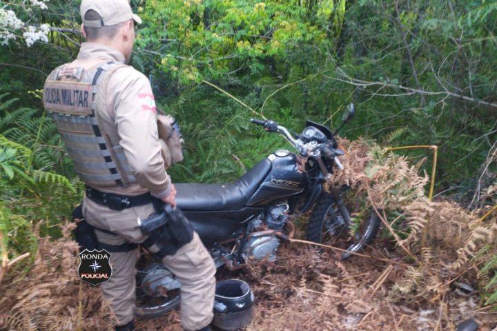 PM recupera moto furtada no interior de Ponte Serrada