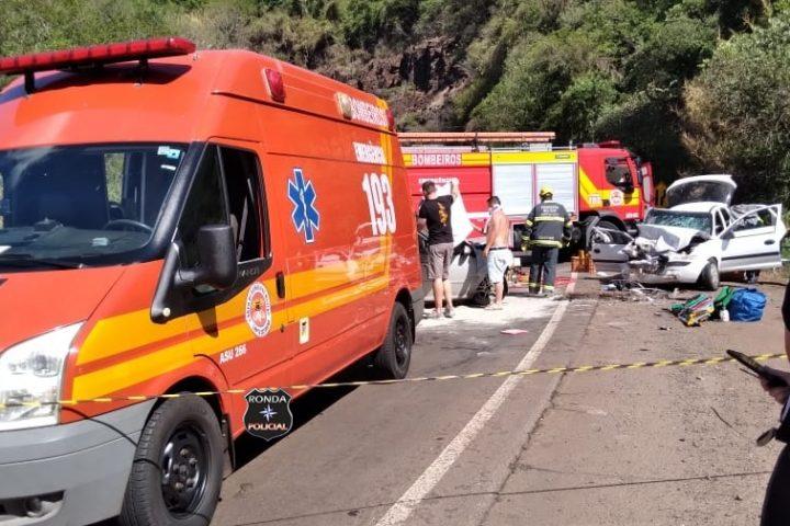 Cinco pessoas ficam feridas em grave acidente na BR-282