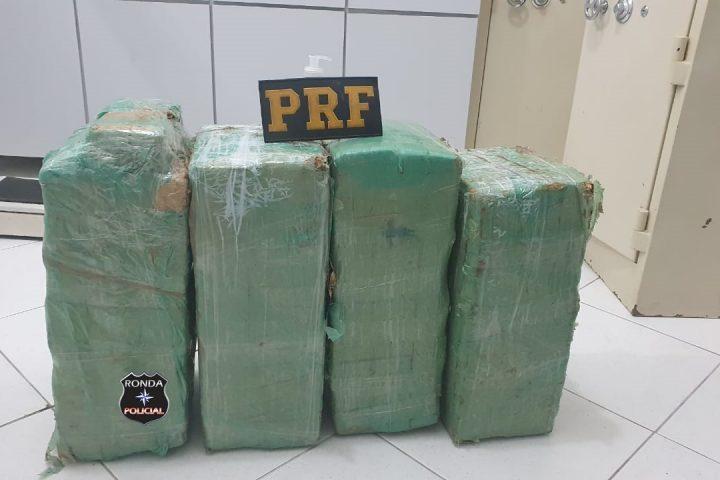 PRF apreende 60 kg de maconha durante a madrugada na BR-282