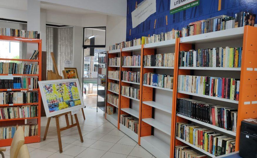 Prefeito Avelino Menegola oficializa a entrega de obras da Biblioteca Municipal de Xanxerê