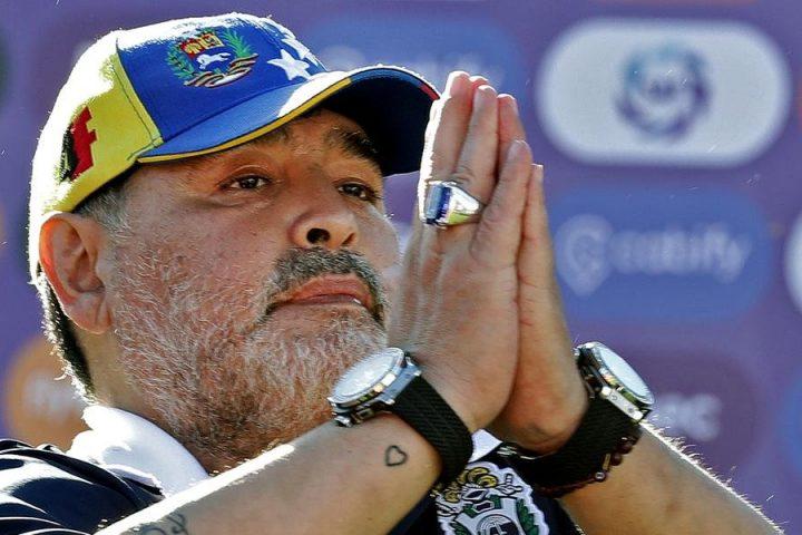 Morre Diego Armando Maradona, diz jornal argentino