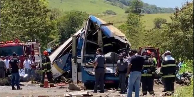 Força-tarefa conclui identificação de vítimas da tragédia em rodovia paulista
