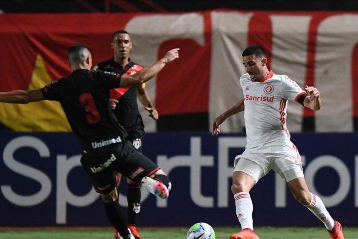 Galhardo erra pênalti e Inter só empata com Atlético-GO