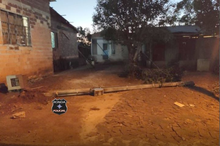 Menino de 05 anos morre ao ser atingido por poste enquanto brincava em balanço no Oeste
