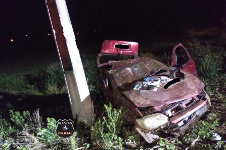 Jovem morre e adolescente sofre graves ferimentos em capotamento de veículo