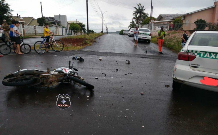 Jovem motociclista fica ferido em acidente na Nereu Ramos