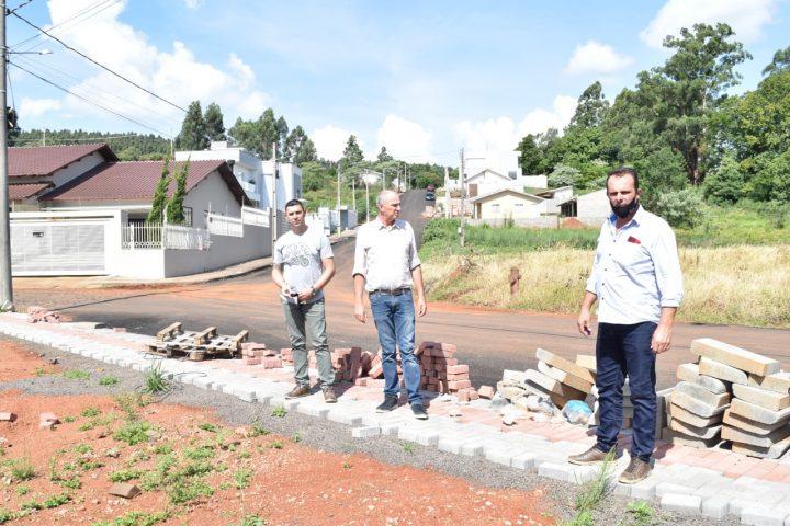 Prefeito, vice e vereadores constatam irregularidades em obras municipais em andamento